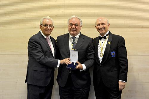 medalla de la enfermeria icoej